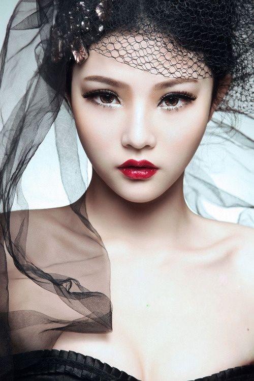 азиатская модель фото