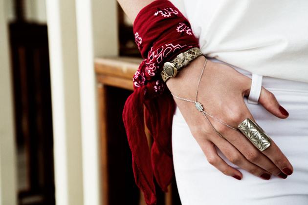 Бандана: как носить аксессуар этим летом - фото №11