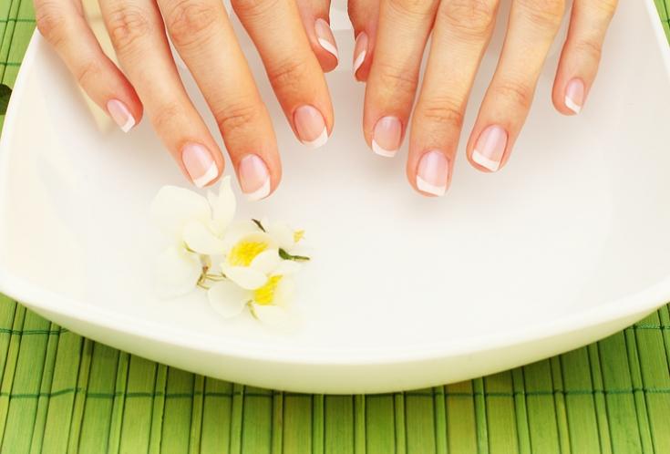 Как ухаживать за кожей рук и ногтями зимой? - фото №1