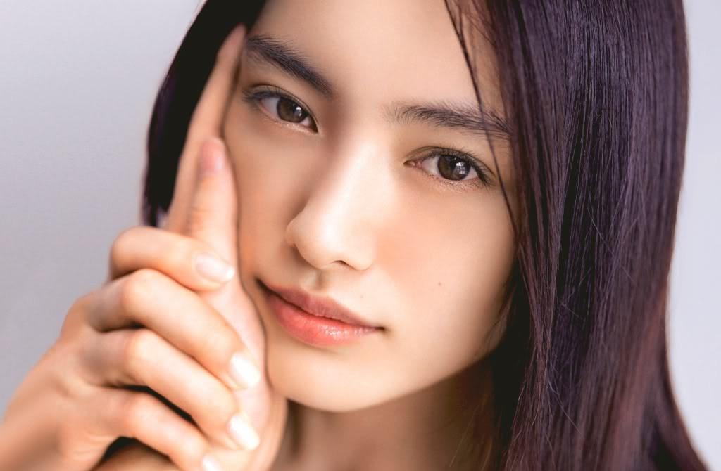 Как делают макияж корейские девушки - фото №1