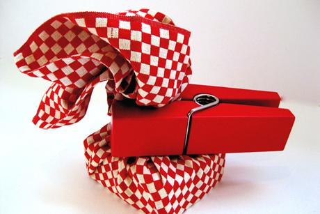 Как оригинально упаковать подарок к Новому году - фото №2