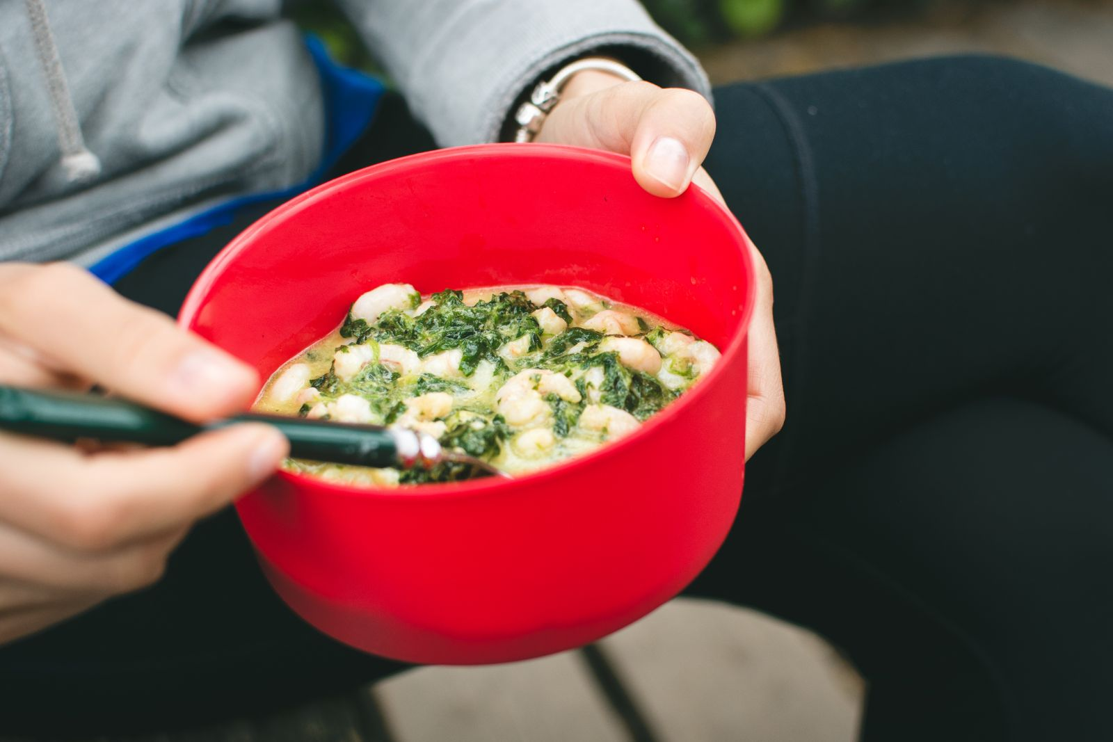 Постное меню: рецепт вкуснейшего супа с креветками - фото №2