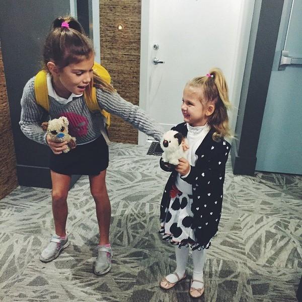 Анна Седокова спела дуэтом с 5-летней дочерью Моникой (ВИДЕО) - фото №1