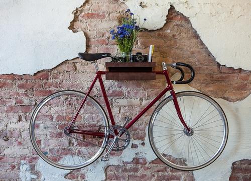 Интересная деталь в интерьере: велосипед - фото №2