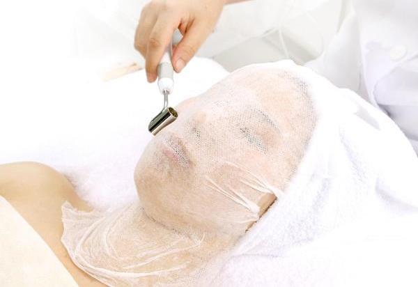 Как увлажнить кожу в салоне: процедура ионофореза - фото №1