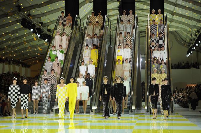 Неделя моды в Париже: шахматная доска от Louis Vuitton - фото №1