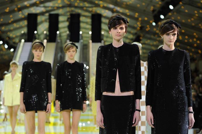 Неделя моды в Париже: шахматная доска от Louis Vuitton - фото №3