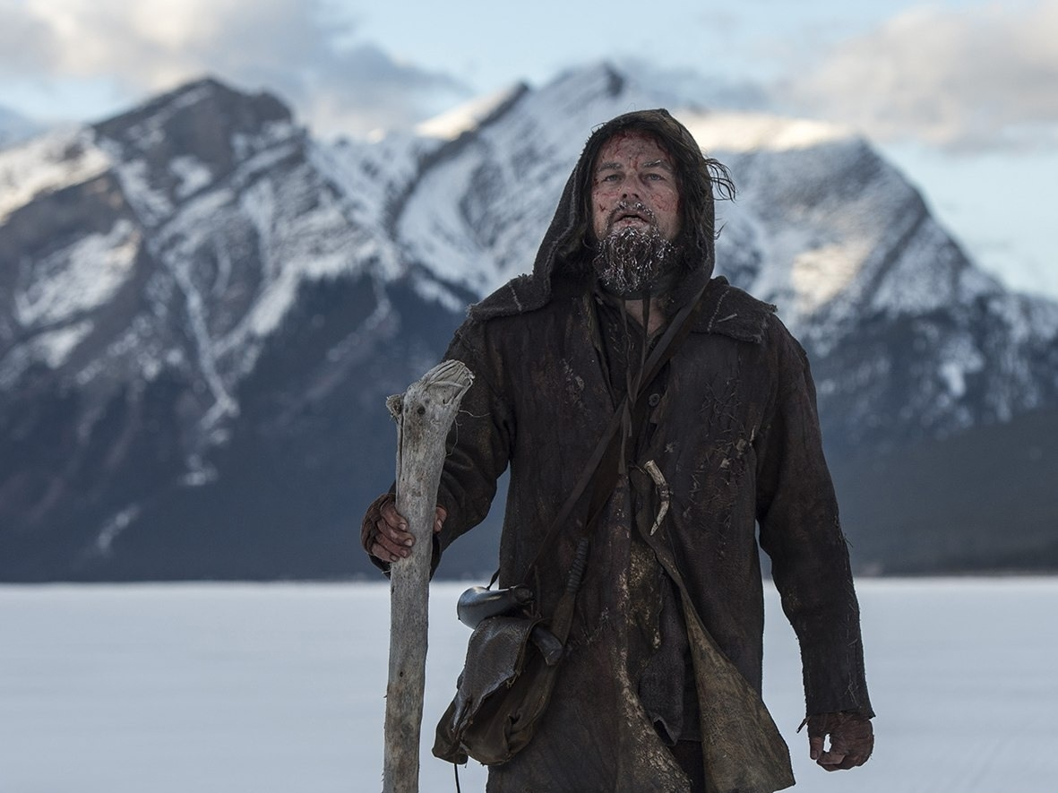 Большие премьеры января: выживший ДиКаприо, веселый Де Ниро и настоящий Шерлок - фото №1