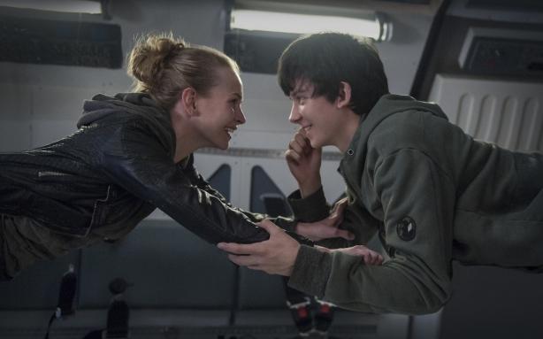 Романтический февраль в кино: влюбленность из космоса, возвращение БДСМа и немного ужасов во имя любви - фото №2