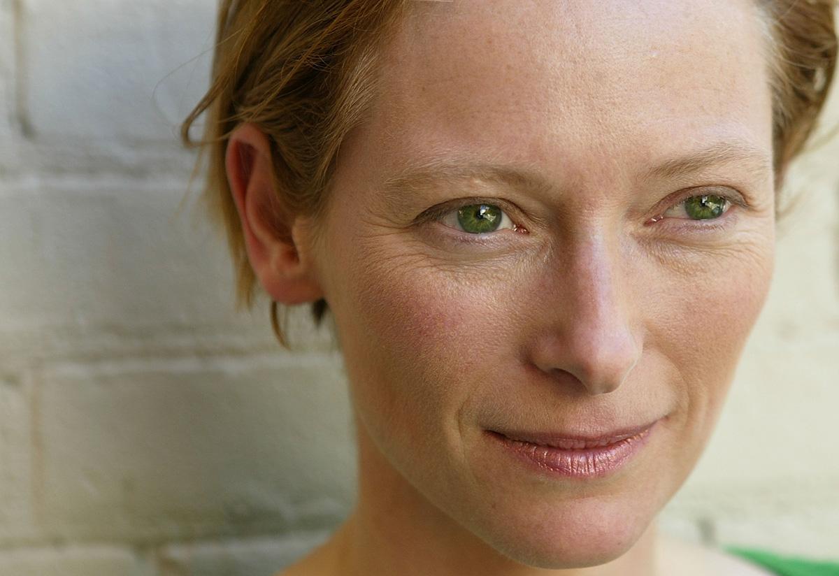 Тильда Суинтон - фото №1