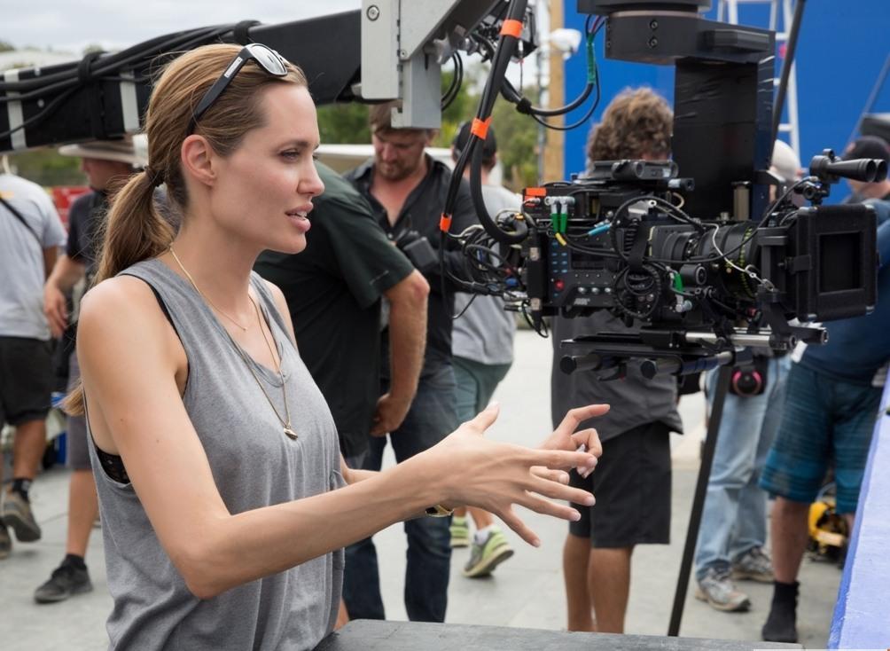 Почему Анджелина Джоли посвятила новый фильм сыну - фото №1