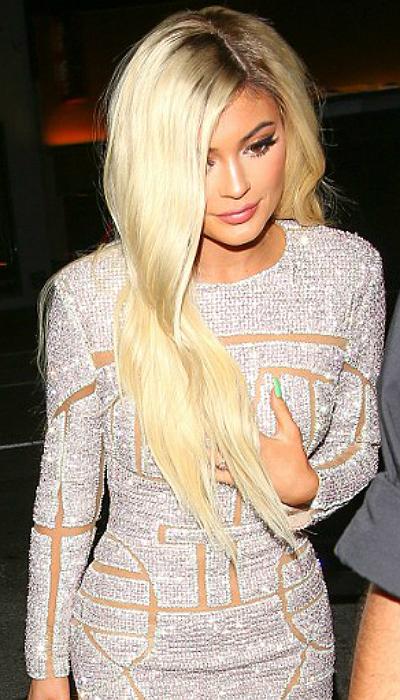 Блондинка Кайли Дженнер: hot or not? Голосуй! - фото №2