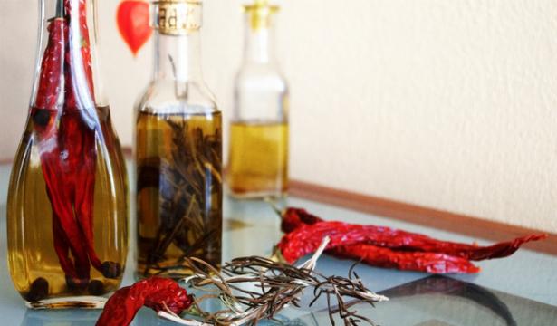 Как сделать оливковое масло с перцем - фото №1