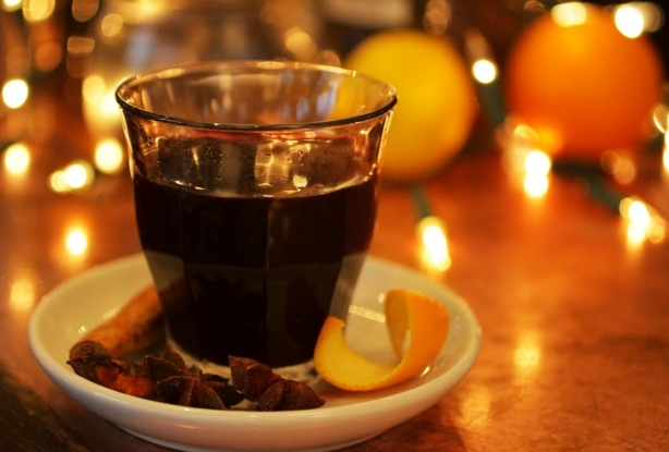 Глинтвейн с темным пивом: новый вкус ароматного напитка зимы - фото №3