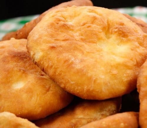 Как приготовить беляши с мясом: рецепт вкусных домашних пирожков, пожаренных на сковороде - фото №2