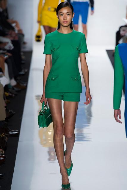Тренд: изумрудно-зеленый цвет - как и с чем носить - фото №12