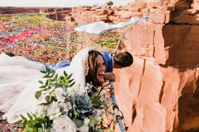 """Свадьба над каньоном: она сказала """"да"""" на высоте 122 метра - фото №8"""
