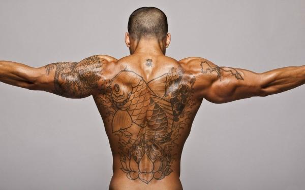 мужская спина с тату фото