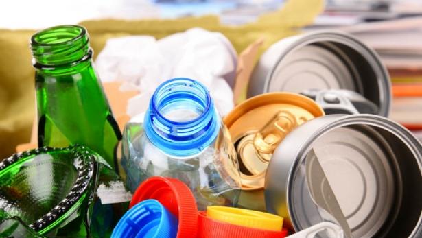 украинцев заставят сортировать мусор