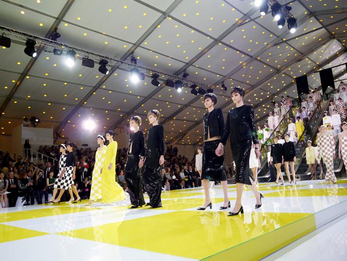 Неделя моды в Париже: шахматная доска от Louis Vuitton - фото №5