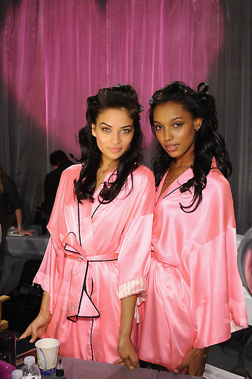 Состоялось модное шоу Victoria`s Secret 2012 - фото №25