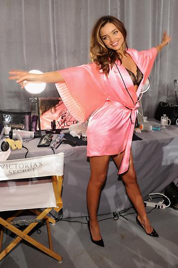 Состоялось модное шоу Victoria`s Secret 2012 - фото №21