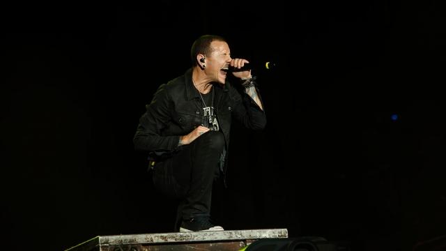 Что погубило Честера Бенингтона: новые подробности смерти солиста Linkin Park - фото №1