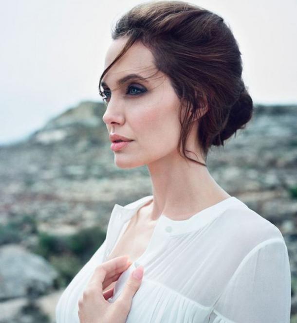 Анджелина Джоли снялась в нежном ВИДЕО для рекламы нового аромата - фото №1