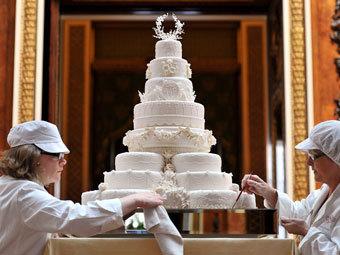 Сладости с королевских свадеб попали на аукцион - фото №1