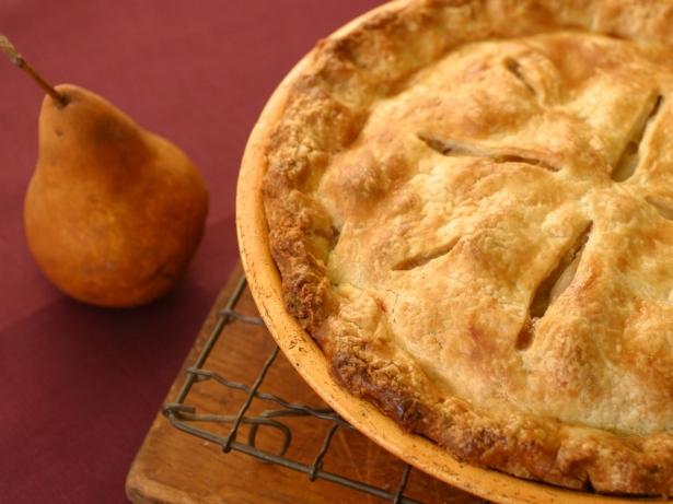 Пирог с грушами: пошаговый рецепт вкусного десерта с карамелизированными фруктами - фото №2
