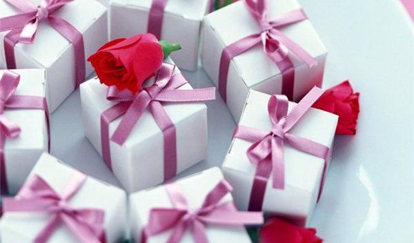 Что подарить свекрови на Новый год - фото №1