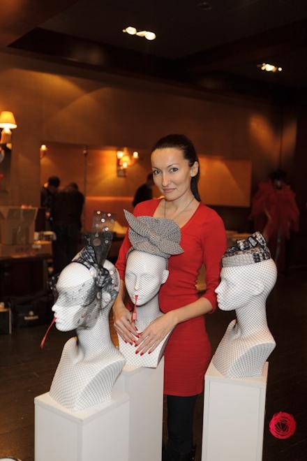 Коллекции красных платьев от украинских дизайнеров - фото №4