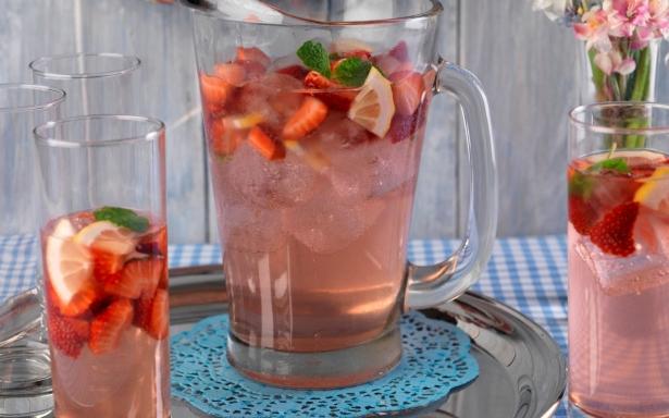 Что можно приготовить из клубники: освежающий напиток по шведскому рецепту - фото №1