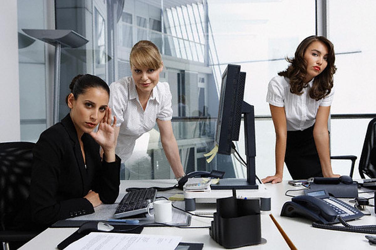 Главные правила дружбы на работе - фото №2