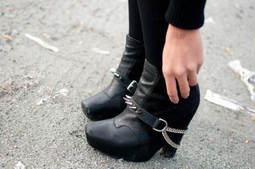 Модный тренд: грубая обувь - фото №5