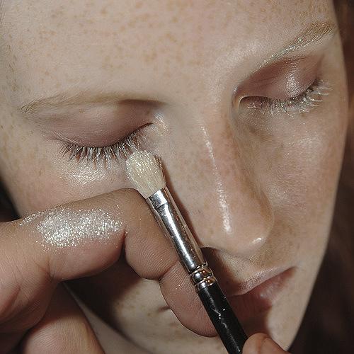 Тренд в макияже: белый цвет - фото №4