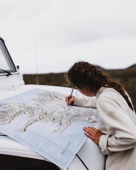 девушка путешествие