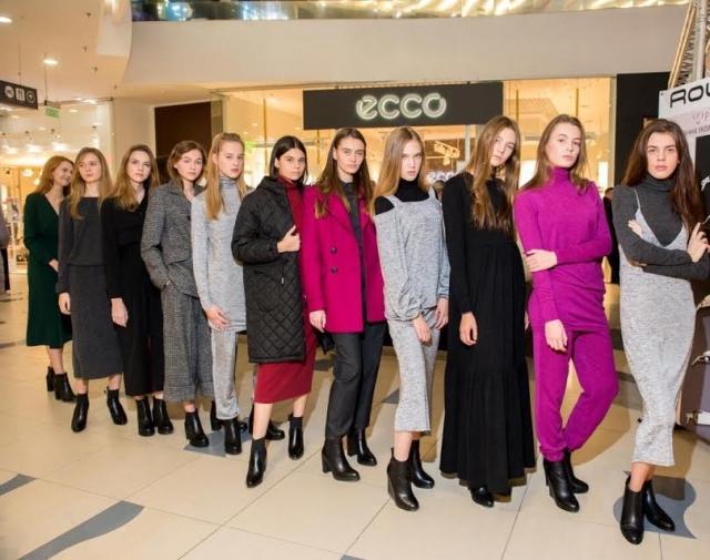 Sky Mall Fashion Show:  самые стильные летние casual look-и - фото №2