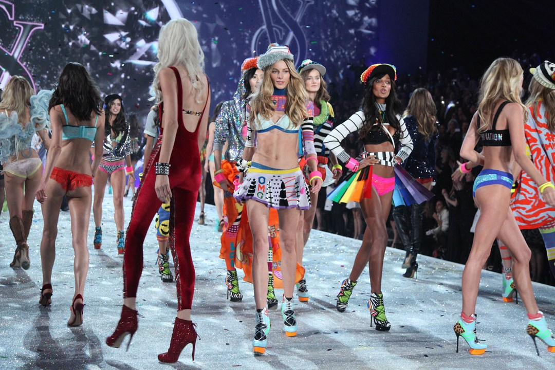 Шоу Victoria`s Secret 2013: подиум, бэкстейдж и красная дорожка - фото №3