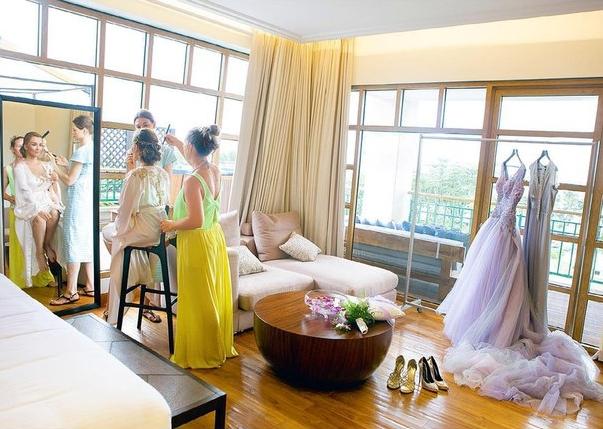 Анфиса Чехова показала свадебные фото: Сейшелы, шелковый пеньюар и отказ от туфель - фото №4
