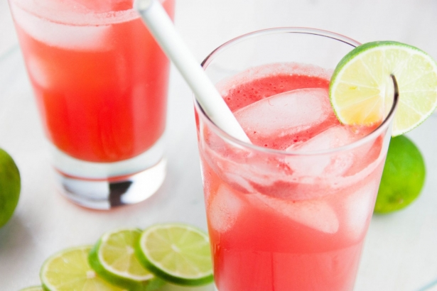 Что можно приготовить из клубники: освежающий напиток по шведскому рецепту - фото №2