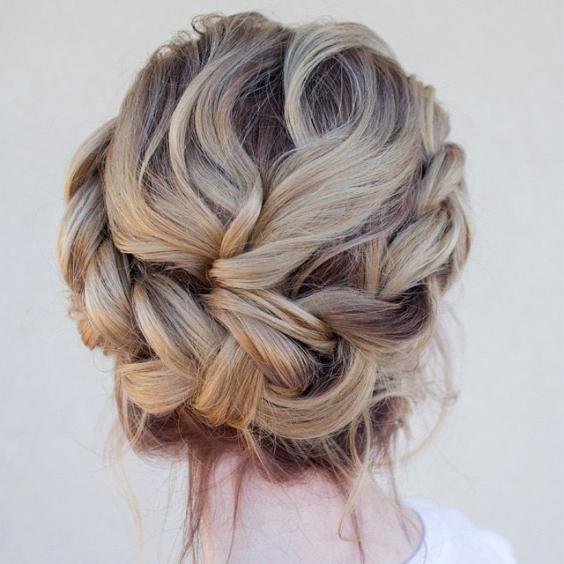Самые красивые прически на выпускной вечер: фото простых причесок для волос любой длины - фото №29