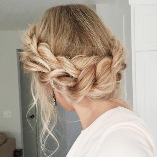 Какую прическу сделать на последний звонок: лучшие прически на длинные и средние волосы (ФОТО) - фото №33