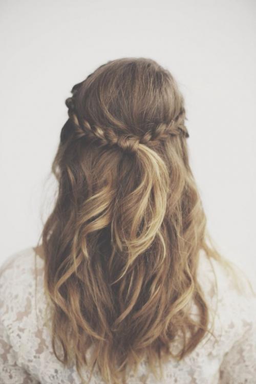Какую прическу сделать на последний звонок: лучшие прически на длинные и средние волосы (ФОТО) - фото №41