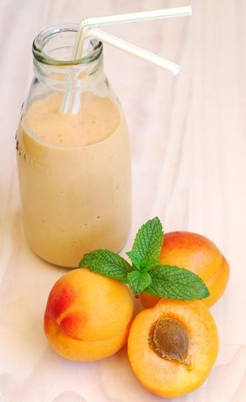 Мятно-абрикосовый смузи