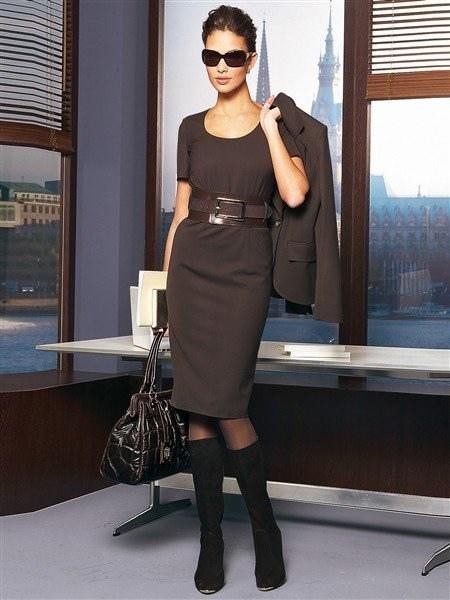 Как одеться на бизнес-встречу: 5 табу для деловой женщины - фото №4