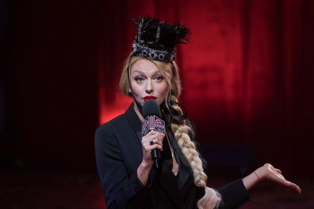 Барби в кокошнике: Оля Полякова похвасталась своими кукольными копиями (ФОТО) - фото №2
