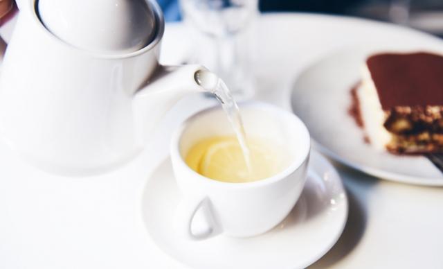 Почему и  сколько нужно пить жидкости, если болеешь простудой - фото №1