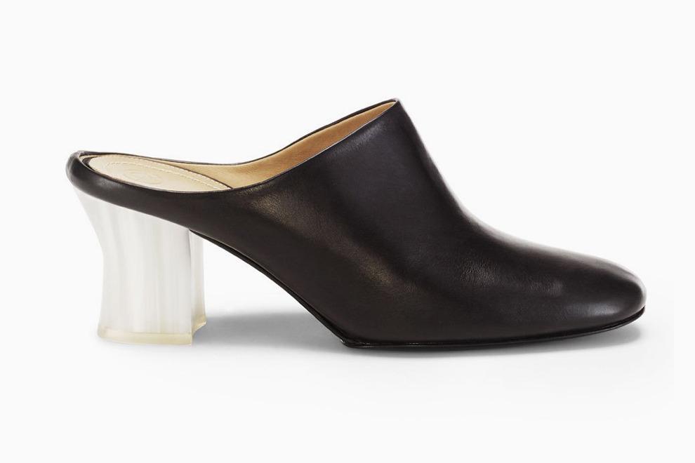 Сестры Олсен запускают линию обуви The Row