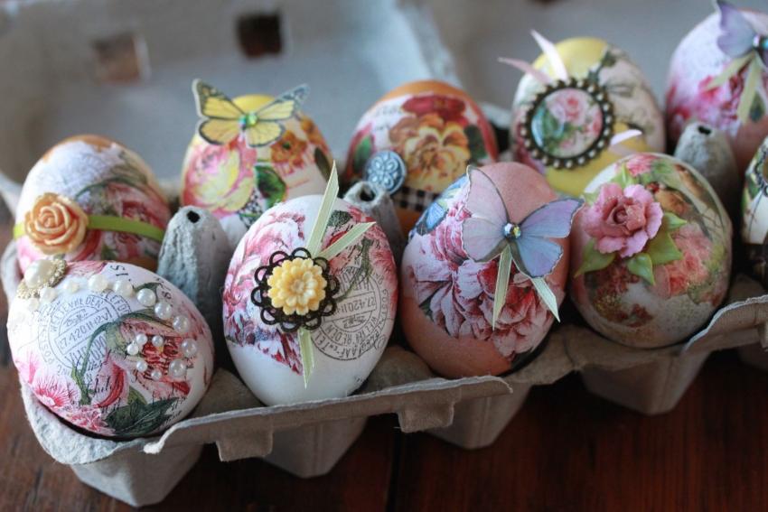 Пасха: декупаж деревянного яйца изоражения